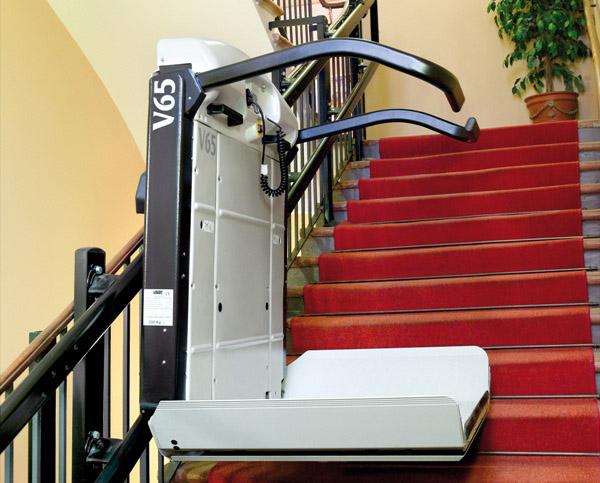 Quercy rouergue ascenceur ascenseurs privatifs si ges monte escaliers ins - Monte escalier pour fauteuil roulant ...